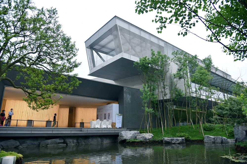 POETIC HABITAT. The International Exhibition Tour in Chongqing continues